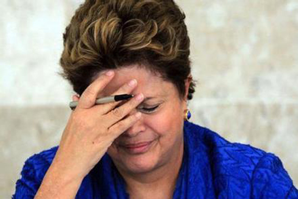 巴西总统弹劾开庭 罗塞夫坚称政治阴谋