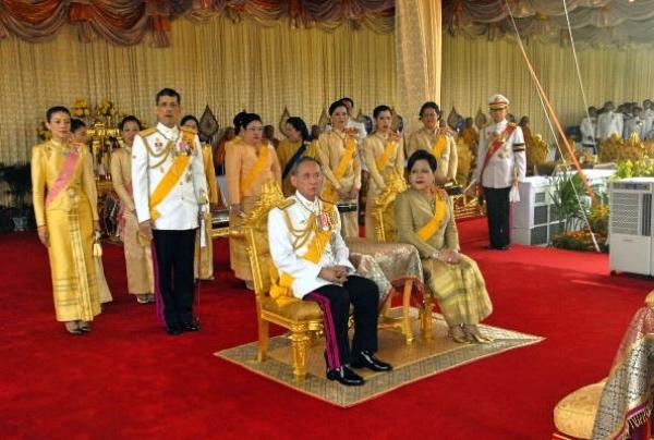 泰枢密院主席任临时摄政 新王继位面临最大挑战