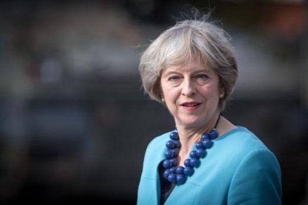 英镑大涨 英首相同意国会脱欧计画